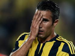 Van Persie situation worries Netherlands boss Blind
