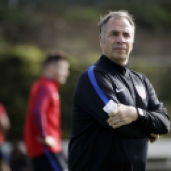 Blunt and sarcastic, Arena relaxes US after Klinsmann (The Associated Press)
